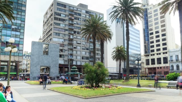 Time lapse in Plaza Independencia, Montevideo downtown, Uruguay