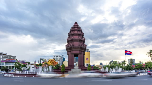 4k uhd time lapse : independence monument at phnom penh, cambodia. - cambodia stock videos and b-roll footage