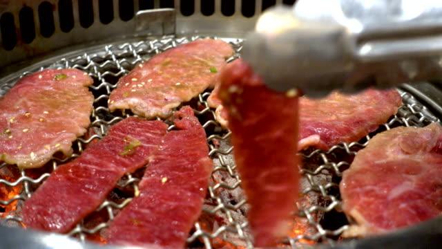 4K time lapse Japanese BBQ beef in Yakiniku restaurant.