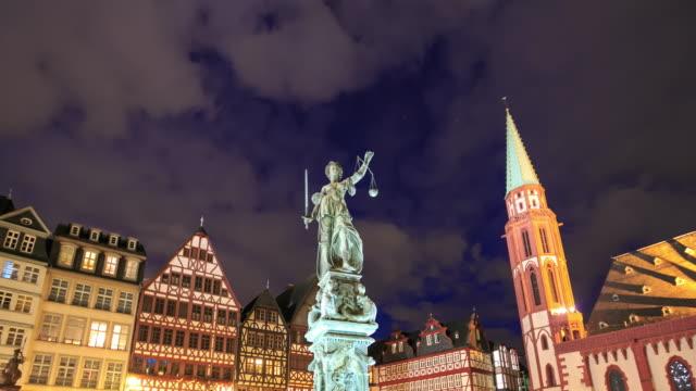 4k Zeitraffer : Justice-statue