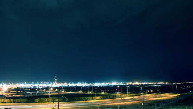 vidéos et rushes de time-lapse de l'aéroport de los angeles (lax - tour de contrôle