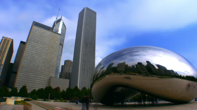 time lapse low angle view clouds and buildings reflected in the cloudgate sculpture in milennium park / day to night / chicago, illinois - one prudential plaza stock videos & royalty-free footage