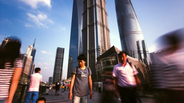 time lapse -lujiazui finance and trade zone / shanghai, china - 上海環球金融中心点の映像素材/bロール
