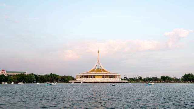 stockvideo's en b-roll-footage met hd time lapse : monument at public park bangkok - getal 9
