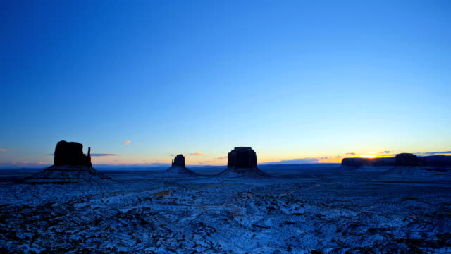 time lapse monument valley mittens desert plateau arizona - colorado plateau stock videos & royalty-free footage