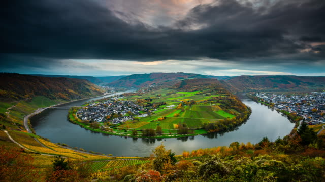 time lapse: moselle river bend in germany - river bend land feature stock videos & royalty-free footage