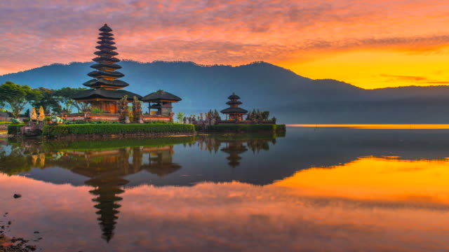 4K Time lapse Movie Sunrise Scene of Pura Ulun Danu Bratan Temple, Bali, Indonesia