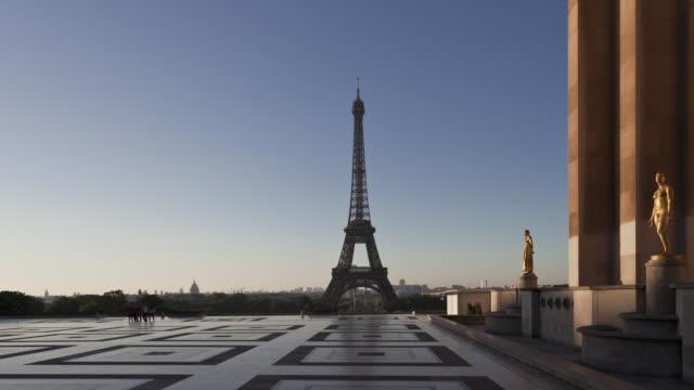 Time Lapse Night to day Esplanade du Trocadero Paris