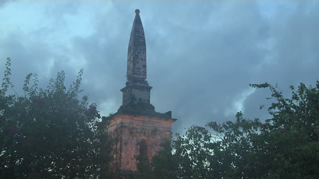 time lapse night to day magellan monument cebu bohol philippines - monumente stock-videos und b-roll-filmmaterial
