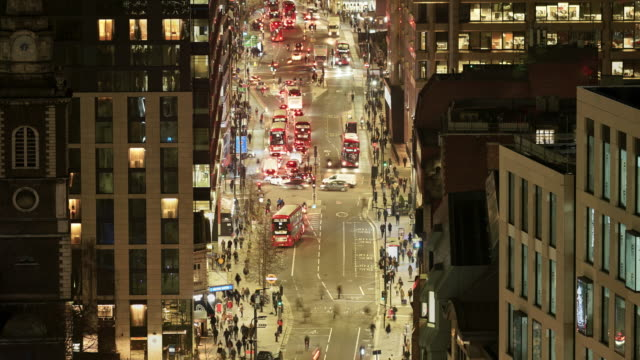 a time lapse of a city street in rush hour from a high angle view - central london video stock e b–roll