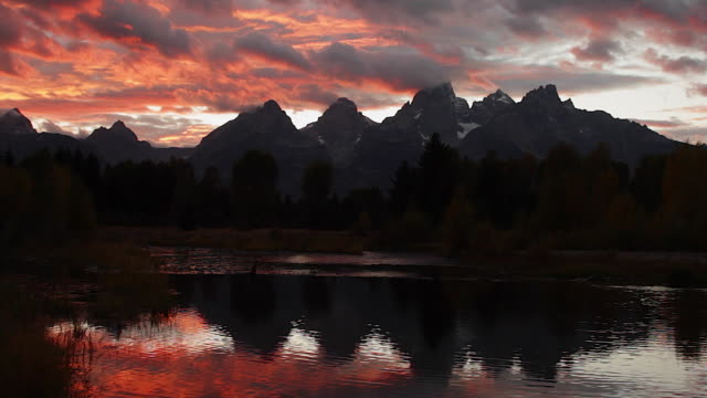 WS  time lapse of a fall sunset in Jackson Hole / Tetons