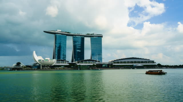 Time lapse of Art Science Museum and Marina Bay Sands, Singapore