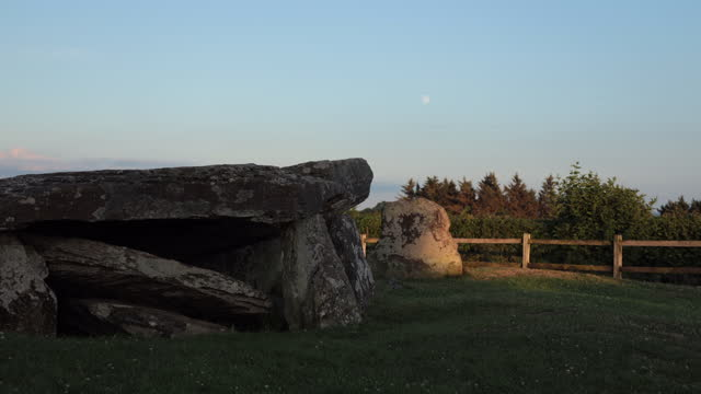 time lapse of arthur's stone, herefordshire, england - herefordshire stock videos & royalty-free footage