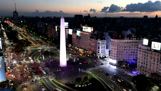 time lapse of avenida 9 de julio, ba - america latina video stock e b–roll