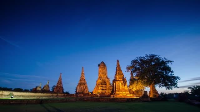 アユタヤ歴史公園、アユタヤ、タイの時間経過 - ワットチャイワタナラム点の映像素材/bロール