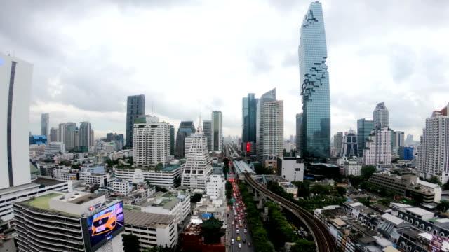 vidéos et rushes de laps de temps de 4k de la ville de bangkok, thaïlande - train aérien