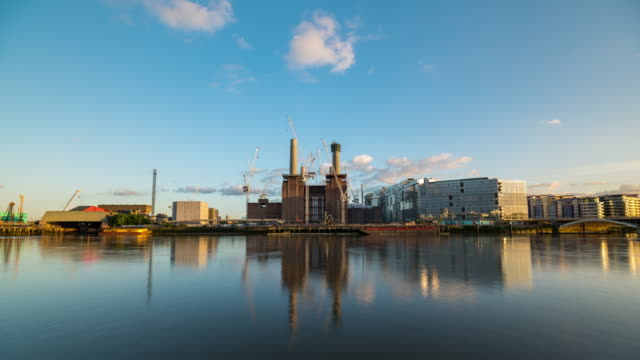 london: time lapse of battersea power station - battersea stock videos & royalty-free footage
