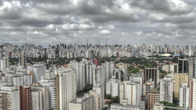 time lapse of clouds speeding over the city of sao paulo. - são paulo stock videos & royalty-free footage