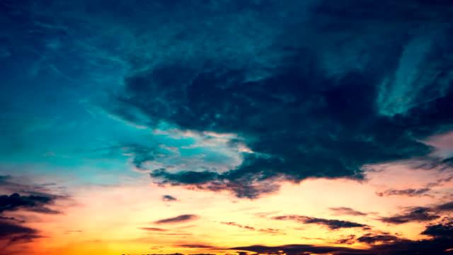 tid förflutit cloudscape med ljusa solen skiner - ängel bildbanksvideor och videomaterial från bakom kulisserna