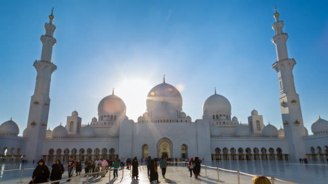 ws time lapse of courtyard of sheikh zayed mosque - mosque stock videos & royalty-free footage