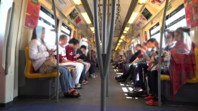 Intervallo di tempo della folla all'interno di un treno (BTS), Bangkok