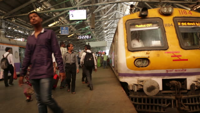 stockvideo's en b-roll-footage met time lapse of cst station in mumbay - indisch subcontinent etniciteit