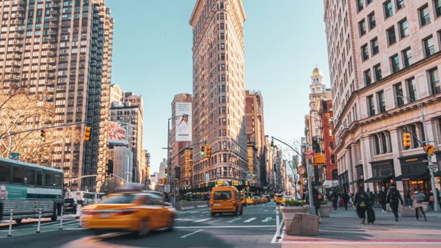 time lapse of flatiron building, new york city, united states - broadway manhattan stock videos & royalty-free footage