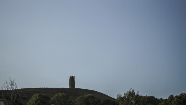 time lapse of glastonbury tor, somerset, uk - glastonbury tor stock videos & royalty-free footage