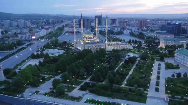 time lapse of grozny chechnya at night - grosny stock-videos und b-roll-filmmaterial