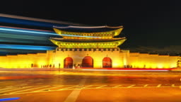 4K Time lapse of Gyeongbokgung palace and traffic in Seoul of South korea