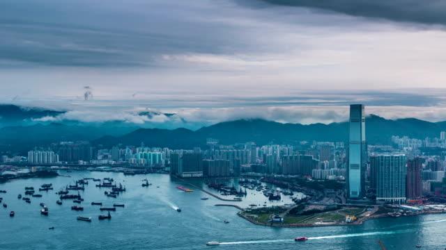 vidéos et rushes de time-lapse de la ville de hong kong dans la journée - victoria peak