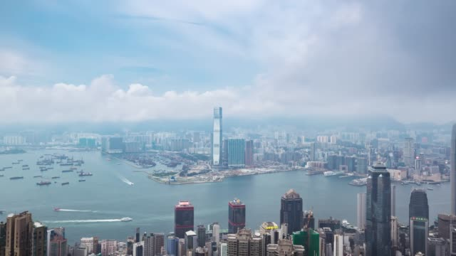 vidéos et rushes de time lapse de hong kong skyline victoria peak. - victoria peak