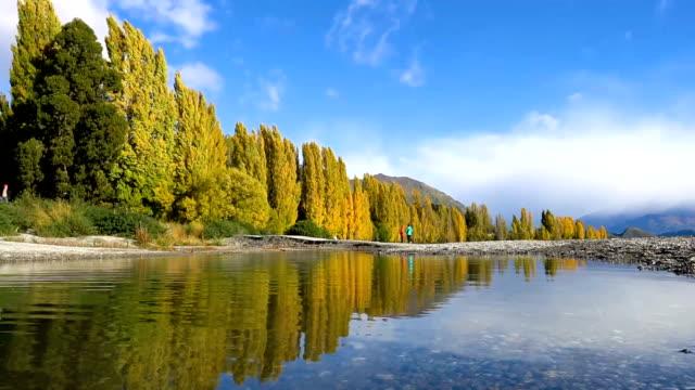 zeitraffer des lake wanaka, neuseeland - new zealand stock-videos und b-roll-filmmaterial