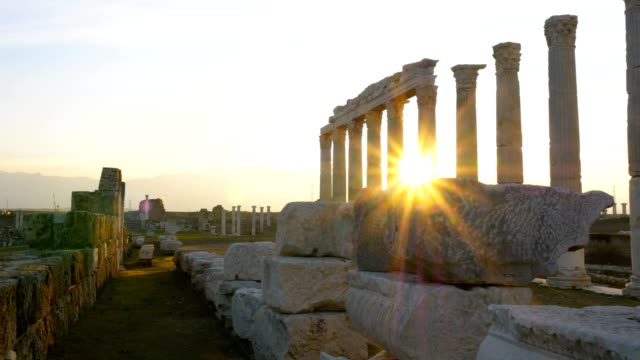 vídeos y material grabado en eventos de stock de lapso de tiempo de la ciudad antigua de laodicea en el lycus en la región de pamukkale - civilización antigua