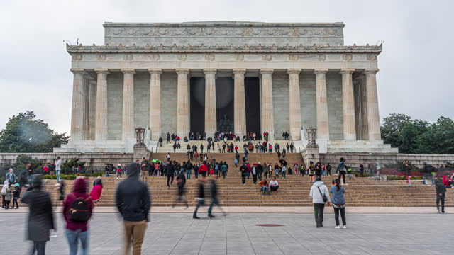 time lapse of lincoln memorial with people and tourist in washington, d.c., usa - lincoln memorial stock videos & royalty-free footage