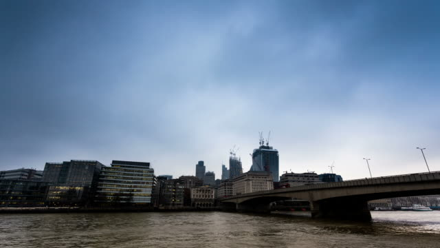 stockvideo's en b-roll-footage met london - circa 2013: time lapse of london cityscape from london bridge - 2013