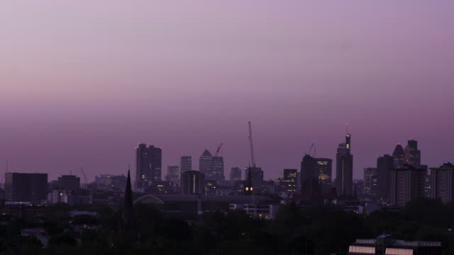 LONDON - CIRCA 2012: Time lapse of London's skyline at sunrise