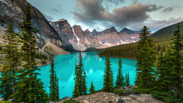 time lapse of moraine lake in banff national park - canada - banff stock videos & royalty-free footage