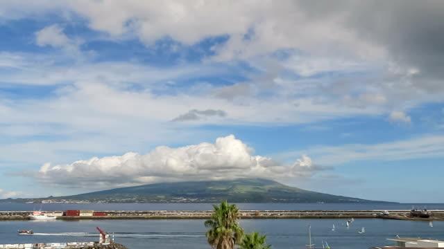 Zeitraffer der Berg Pico aus Faial/Horta/Azoren