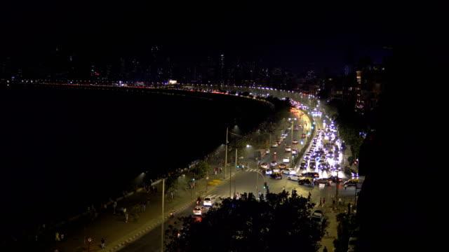 time lapse of mumbai traffic - marine drive - mumbai stock videos & royalty-free footage