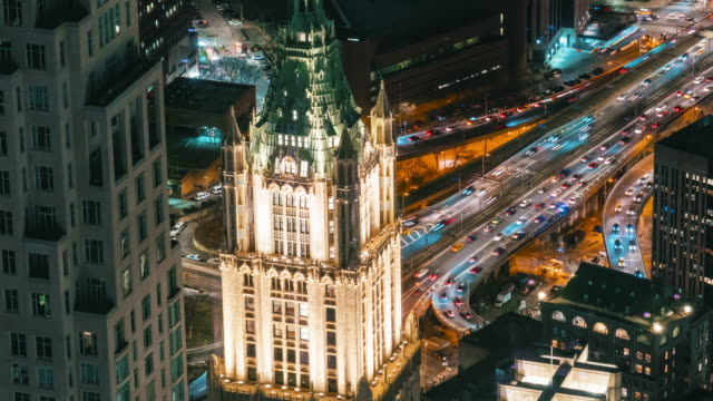 vidéos et rushes de 4k time lapse of new york cityscape with various building skyscraper and traffic road intersection in rush hour at night time, états-unis - international landmark