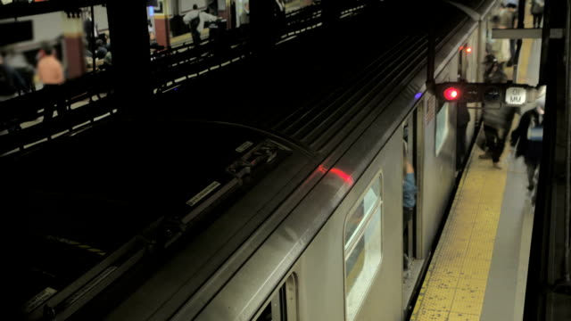 Time Lapse of New York Subway Train Station Platform