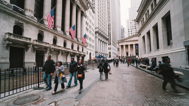 time lapse of new york wall street in new york, united states - broadway manhattan stock videos & royalty-free footage