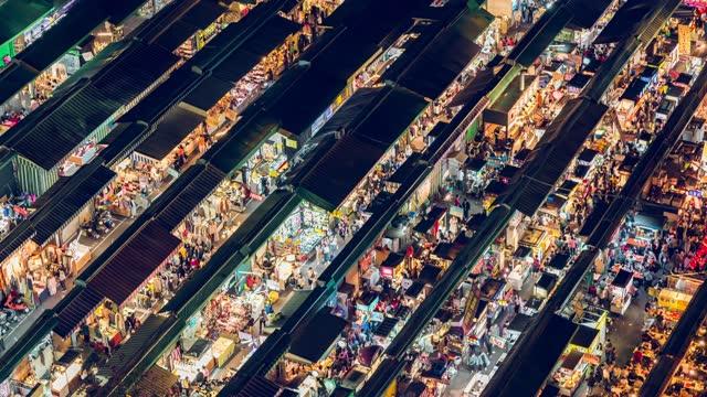 zeitraffer des nachtmarktes - marktstand stock-videos und b-roll-filmmaterial