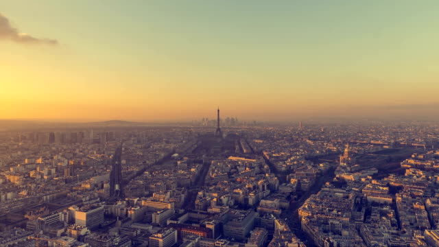 Time Lapse of Paris during the sunset