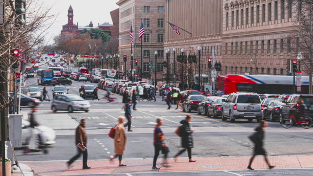 time lapse of pedestrian and traffic road in washington dc - washington dc stock videos & royalty-free footage
