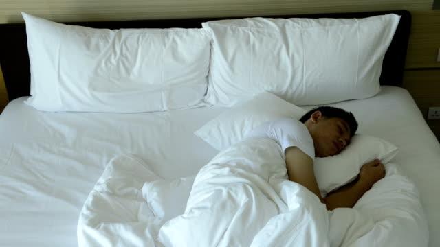 CNGLLEI143 Zeitraffer von Menschen zu schlafen, Schlafen und Aufwachen