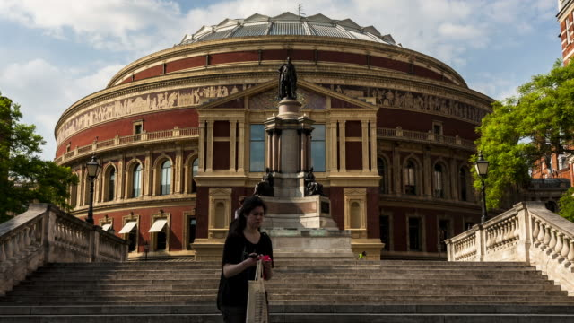 vídeos de stock, filmes e b-roll de london - circa 2012: time lapse of people walking up the steps to the royal albert hall in london circa 2012. - royal albert hall