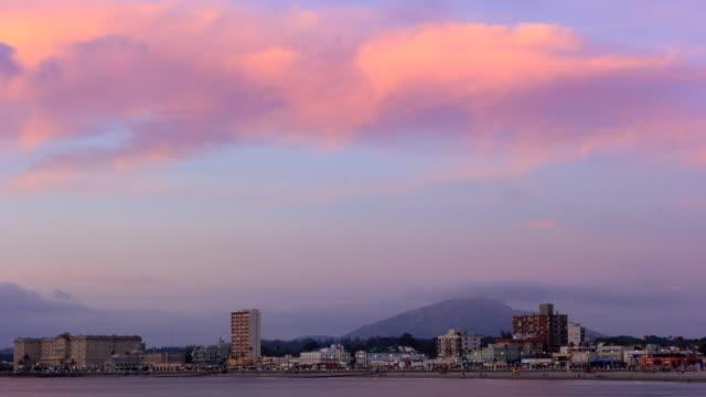 time lapse of piriápolis city sunset - 鎮静薬点の映像素材/bロール