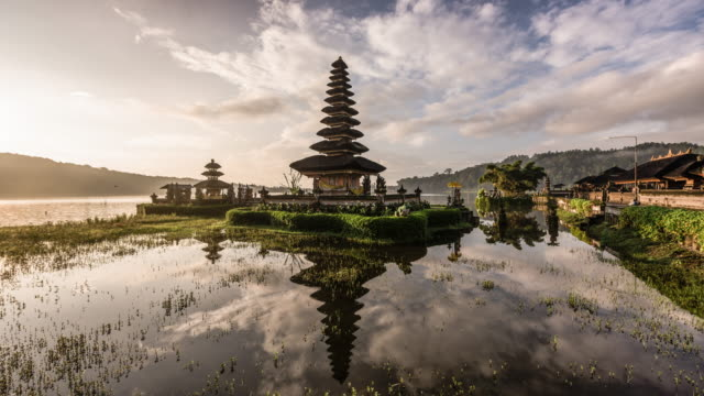 time lapse of Pura Ulun Beratan temple in Bali